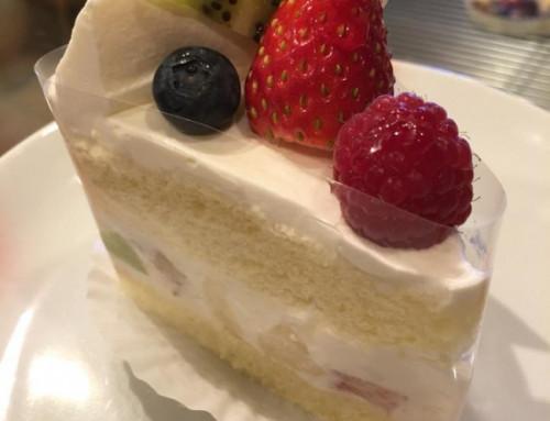 フルーツいろいろのショートケーキ